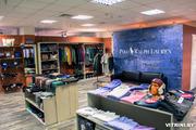 Продаётся торговое оборудование б/у для магазина одежды! Включает в себя: 3 шкафа для вывески и выкладки (один из них трёхсекционный),  4 тумбы для выкладки одежды (2 большие и 2 маленькие) и 4 настенные полки.